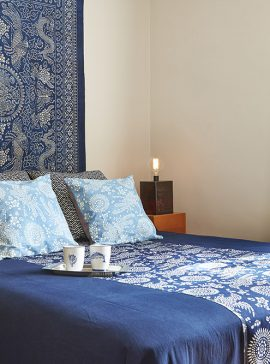 Home design indigo fabric bedding cushion throw curtain blue and white vintage textile