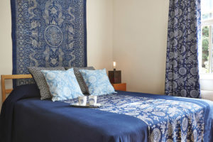 Home design indigo fabric bedding cushion throw curtain blue and white vintage textile